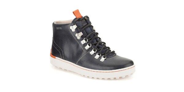 Pánske tmavomodré členkové topánky s oranžovými prvkami Clarks