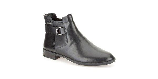 Dámske čierne topánky s prackou Clarks