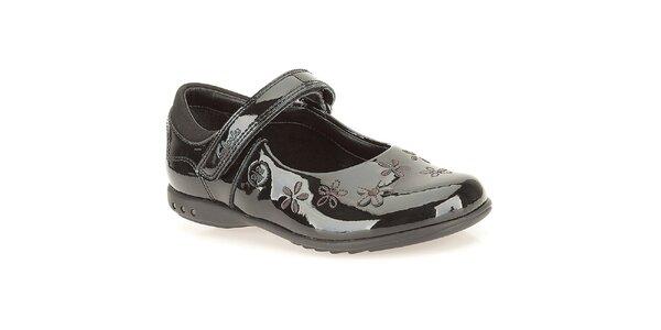 Dievčenské čierne topánočky s remienkom Clarks