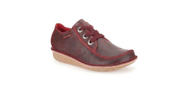 Dámske kožené šnurovacie topánky vo vínovej farbe Clarks