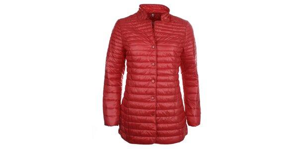 Dámsky červený kabátik na cvočky DJ85°C