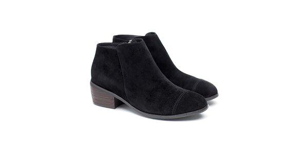 Dámske čierne semišové členkové topánky Shoe the Bear