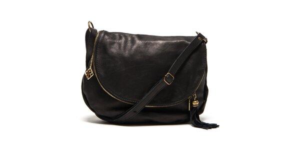 Dámska čierna kožená kabelka s príveskom a strapcom Isabella Rhea