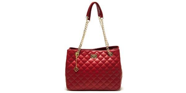 Dámska červená prešívaná kožená kabelka so zámčekom Isabella Rhea