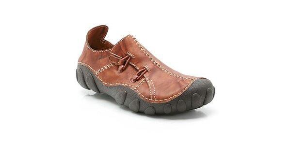 Pánske hnedé topánky so vzorovanou podrážkou Clarks
