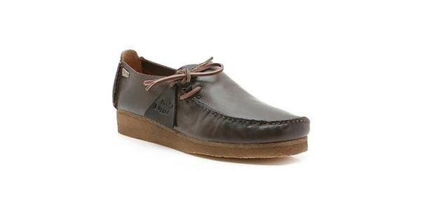 Pánske tmavo hnedé topánky s prešívaním na špičke Clarks