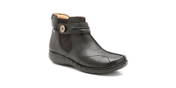 Dámske čierne členkové topánky so zipsom Clarks