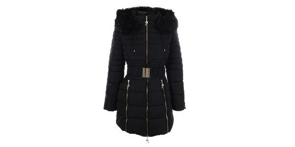 Dámsky čierny kabát s opaskom a kožúškom Foglie Rosse