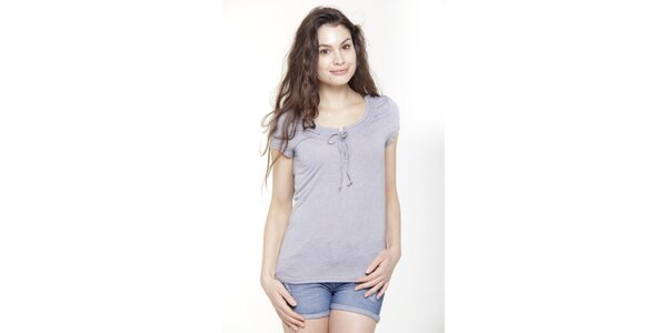 Dámske svetlo modré tričko s krátkym rukávom a mašličkou Peace&Love