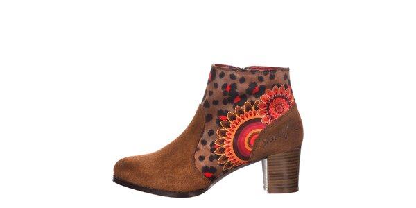 Dámske členkové hnedé topánky na opätku Desigual