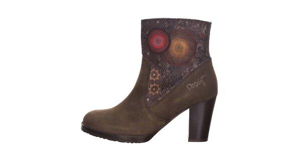 Dámske hnedé členkové topánky so vzorom Desigual