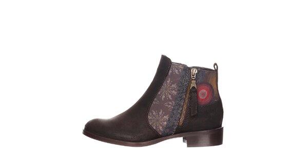 Dámske hnedé členkové topánky s detailmi Desigual