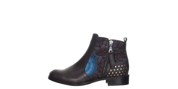 Dámske čierne topánky s cvočkami za pätou Desigual