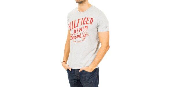 Pánske šedé tričko s červeným nápisom Tommy Hilfiger