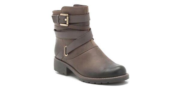 Dámske kožené hnedé topánky s prackami Clarks