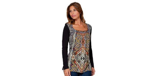 Dámske čierne tričko so vzorom Janis
