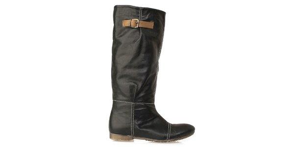 Dámske čierne čižmy s výrazným prešívaním Crash Shoes