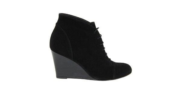 Dámske čierne šnurovacie semišové topánky na kline Eye