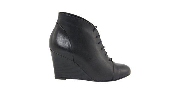 Dámske čierne šnurovacie kožené topánky na kline Eye