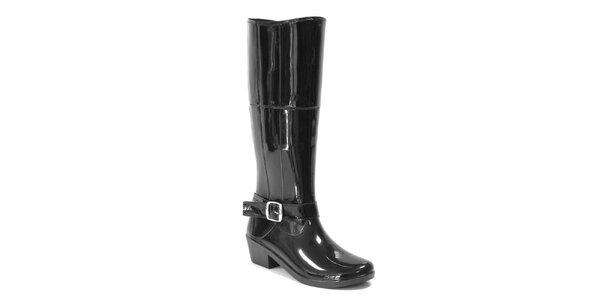Dámske lesklé vysoké topánky s remienkom Favolla