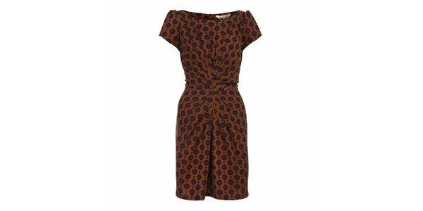 Dámske hnedé naberané šaty so vzorom Yumi