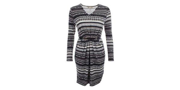 c14a9fa542a6 Decentné aj výrazné dámske šaty a svetre Yumi