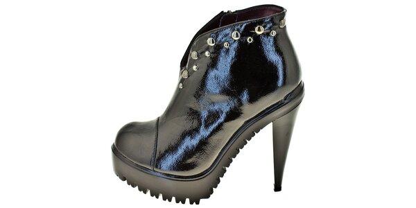 Dámske čierne topánky na platforme 1to3