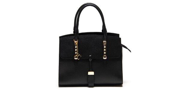 Dámska čierna kabelka z kože s kovovými detailmi Renata Corsi
