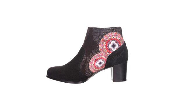 Dámske antracitové členkové topánky s farebnými detailmi Desigual