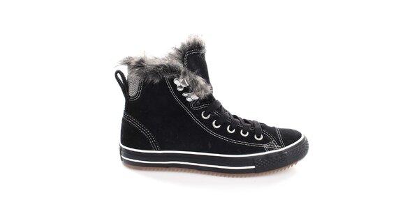 3c130bb62d9a Výpredaj dámskych zimných topánok – všetko skladom. Táto kampaň už  skončila. Dámske čierne členkové topánky so šnúrkami Converse