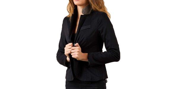 22670fad55 Výpredaj dámskych búnd a kabátov – všetko skladom. Táto kampaň už skončila.  Dámske čierne sako Keysha