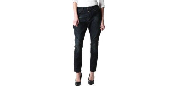 9580962b3437 Dámske tmavo modré džínsy s iniciálami výrobcu Replay