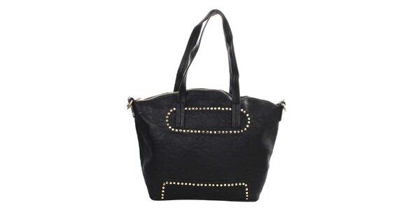 Dámska čierna kabelka s dekoratívnymi cvokmi Caro Paris