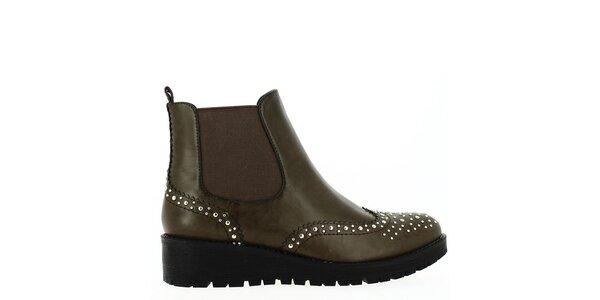 Dámske čiernohnedé topánky s cvočkami Shoes and the City