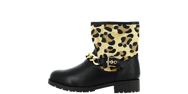Dámske čierne topánky so vzorom a retiazkou Bellucci