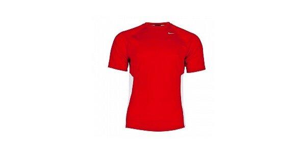 Pánske červené funkčné tričko Nike