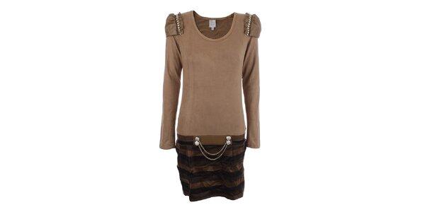 Dámske svetlo hnedé šaty s dekoratívnou aplikáciou na ramenách Dislay DY Design