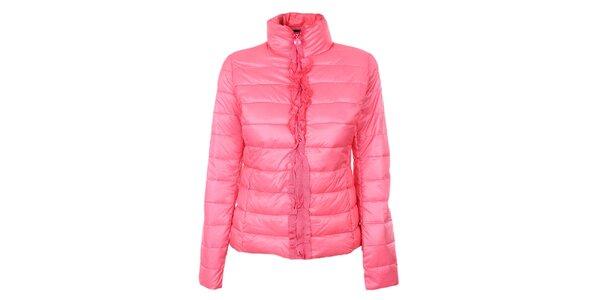 Dámska sýto ružová prešívaná bunda so stojáčikom a volánikmi Minority