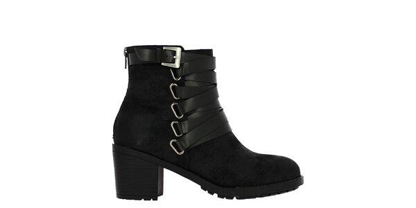 Dámske čierne členkové topánky s remienkom Shoes and the City