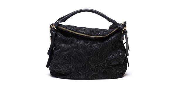 Dámska vzorovaná kožená kabelka v čiernej farbe Mangotti