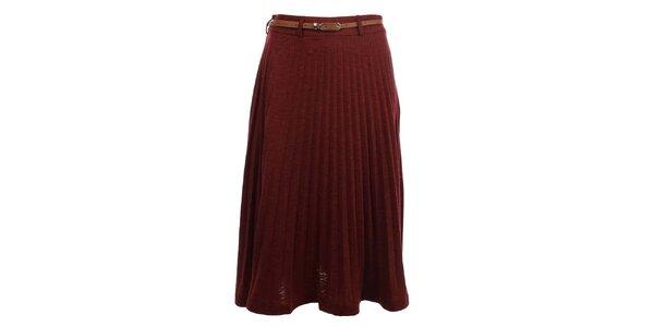 Dámska bordó sukňa so skladmi Yumi