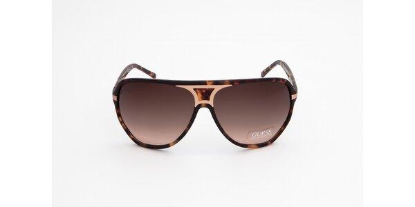 Dámske hnedé žíhané slnečné okuliare Guess