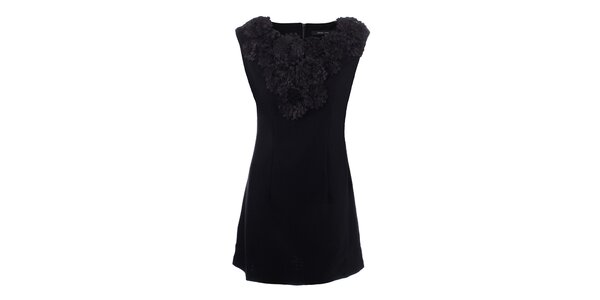 Dámske čierne šaty s kvetinovým výstrihom Dislay DY Design