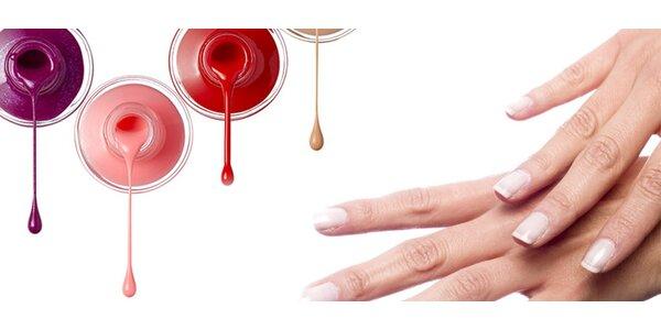 Gélové nechty alebo lakovanie OPI lakom