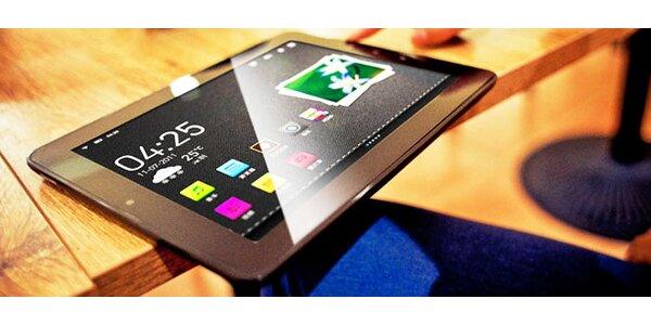 Tablet s Androidom, klávesnicou a puzdrom