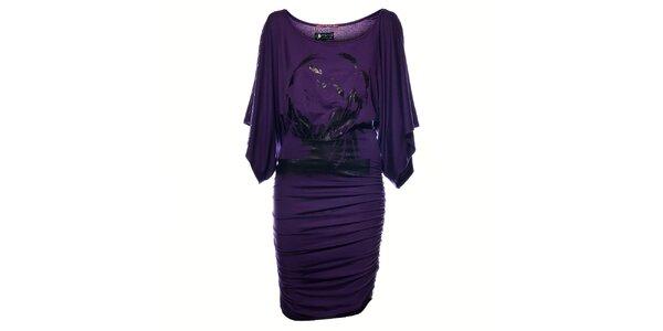 Dámske fialové šaty Pepe Jeans s čiernou potlačou