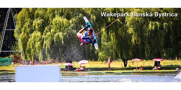 Letný adrenalín na vlnách: WAKEBOARDING