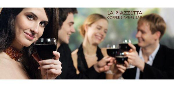 Romantické rande: fľaša vína a syrový tanier