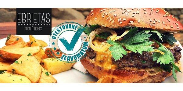 Hovädzí burger a domáce hranolčeky od profíka