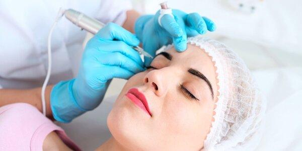 Permanentný make up obočia 3D čiarkovanou technikou